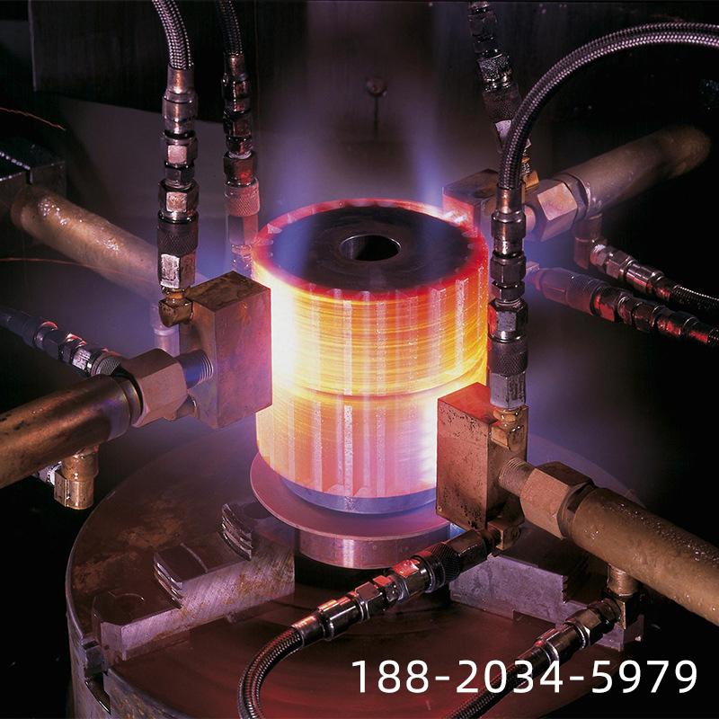 卧式淬火机-感应器由8个有效圈串连而成