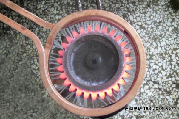 齿轮中频淬火机床选用韧性化工艺