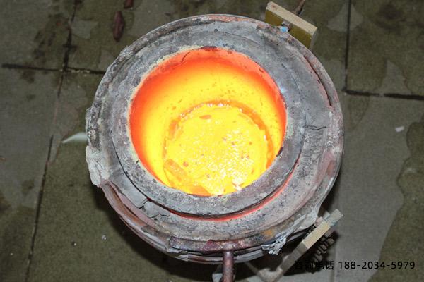 宁波废金属熔炼炉厂家-感应器和炉料关系