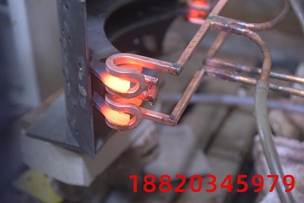 高频感应加热设备的感应淬火工艺代替原来的渗碳淬火工艺