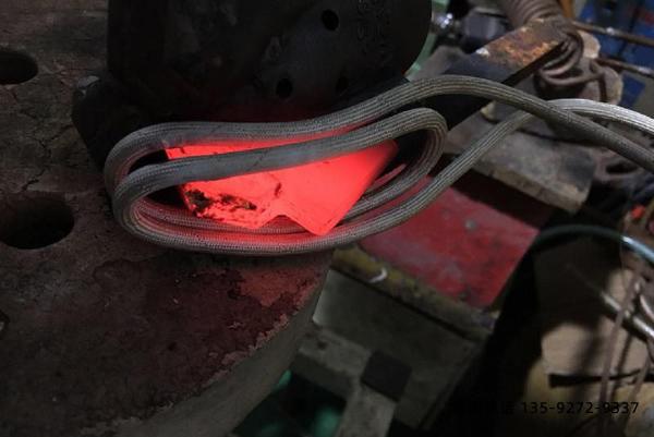 你现在使用的是节能环保的感应加热设备吗?