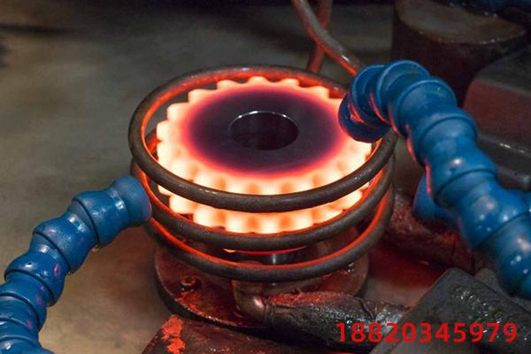 三工位中频缸套淬火机床如何工作?