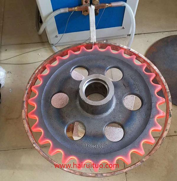 采用什么工艺方法进行齿轮感应淬火?