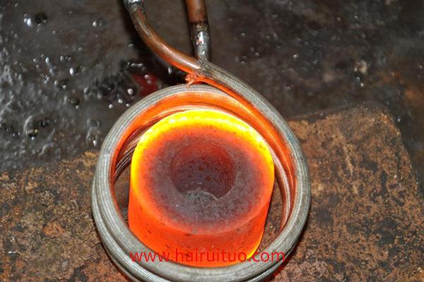 如何设计一种多孔或多加热区感应加热电源?