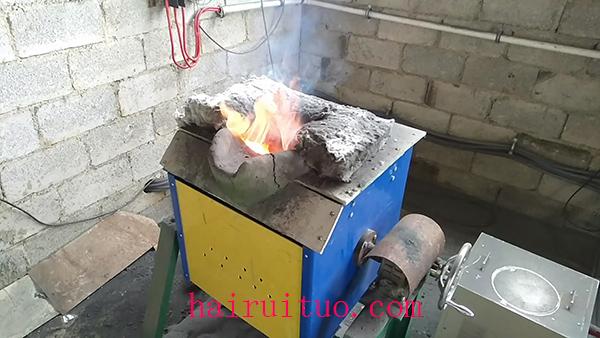 中频熔炼炉为什么会发生泄漏