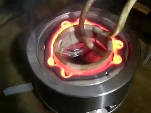 中高频淬火机对内孔内壁加热淬火