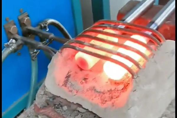 超音频感应加热设备对不规则棒轴加热退火处理