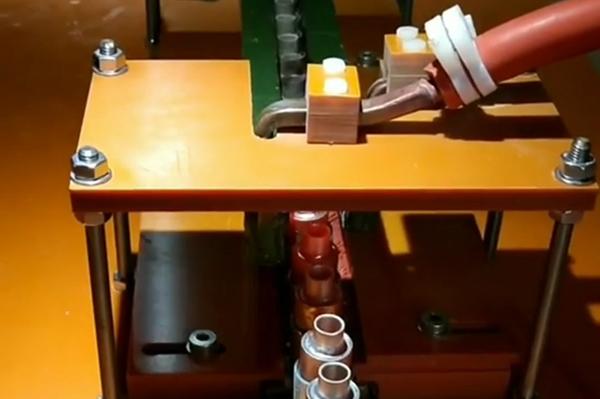 铜铝管自动焊接用高频钎焊机