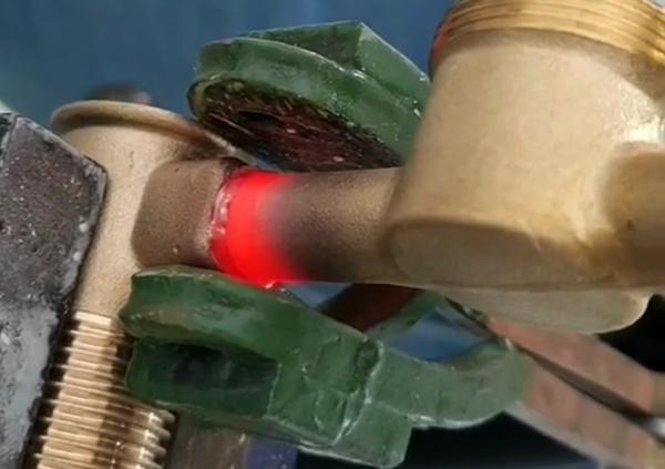 黄铜分水器高频感应钎焊机