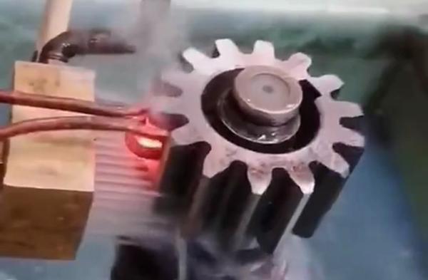齿轮淬火用高频淬火机