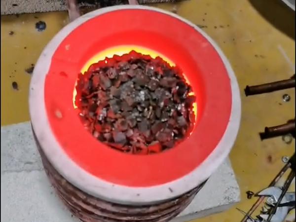 贵金属金银熔炼设备,小型高频熔炼炉