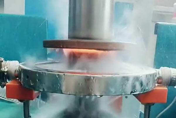超音频淬火机床对轴淬火热处理