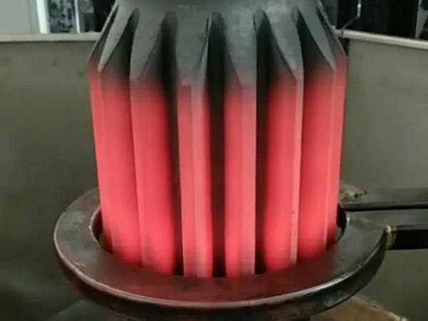 齿轮轴高频淬火设备