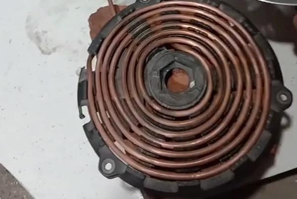小型感应加热设备烧开水
