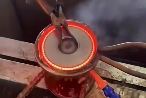 用高频淬火机对齿轮淬火热处理