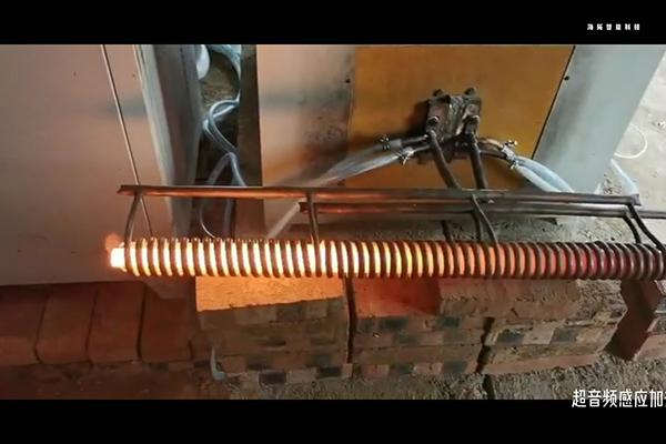 棒料感应加热炉-可以搭配机械手臂-送料机实现自动化生产